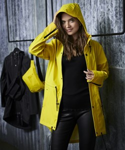 Notyz Raincoat. Style 40.357. Yellow. Must Have: 899,- Spar: 10% V.I.P. Followers