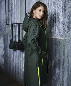 Notyz Raincoat. Style 40.358. Army Green. Must Have: 899,- Spar: 10% V.I.P. Followers